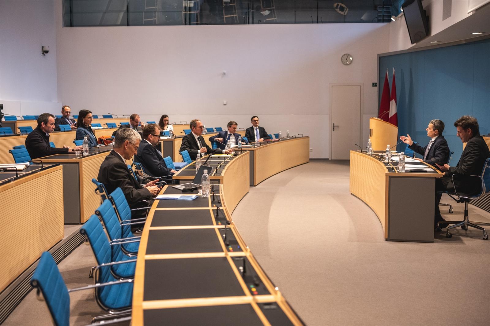 Agenzie Lavoro Canton Grigioni coronavirus: incontro tra i governi del cantone ticino e del